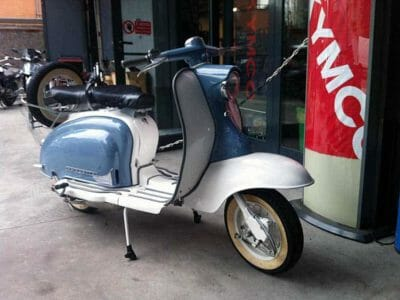 Restauro moto d'epoca a Milano